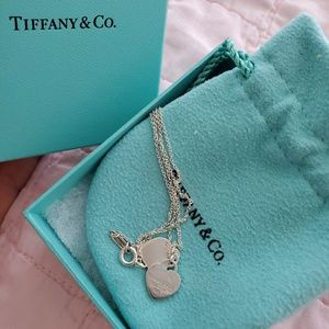 Tiffany's double heart mini pendant necklace